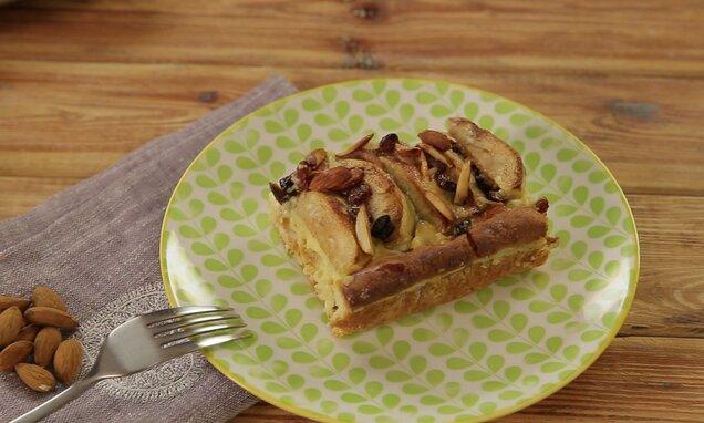 Prăjitură cu mere și sos
